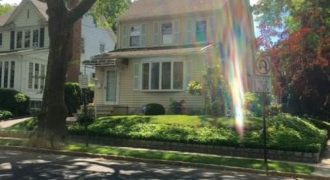 258-02 PEMBROKE RD, GREAT NECK, NY 11020